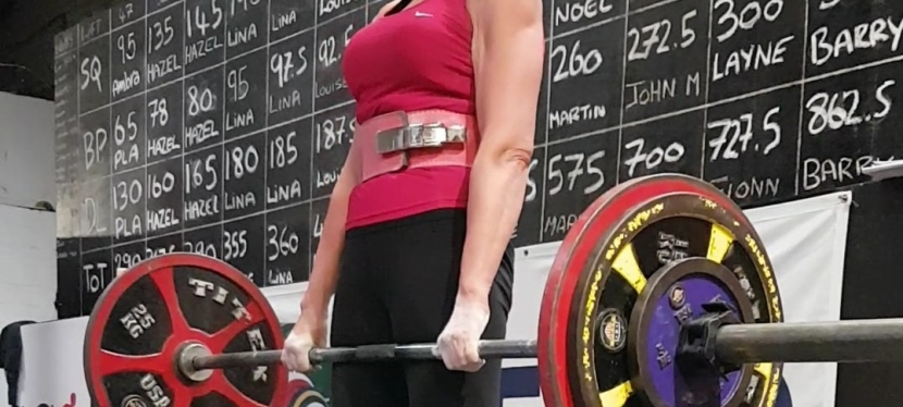 "Preparing for the European Powerlifting Championship – Hoping for ""Good Lifts"" and ""3 white lights"""